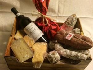 cesti e confezioni natalizie con prodotti tipici bresciani